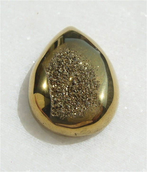 Cabochon lacrima agata druzy electroplacata (provenienta America) aprox 32x21.5x8 mm