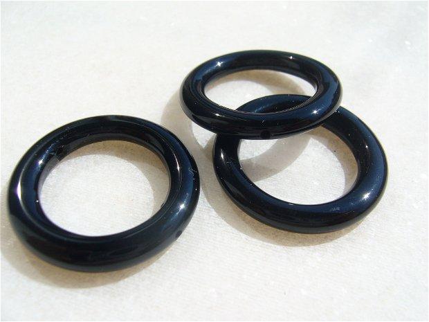 Inel mare din onix negru (provenienta America) aprox 24x3.5 mm