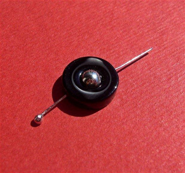 Inel mic din onix negru (provenienta America) aprox 10.5x3 mm
