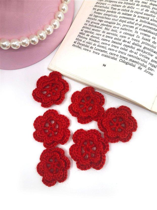 Floricele crosetate manual. Aplicatii crosetate. Floricele rosii