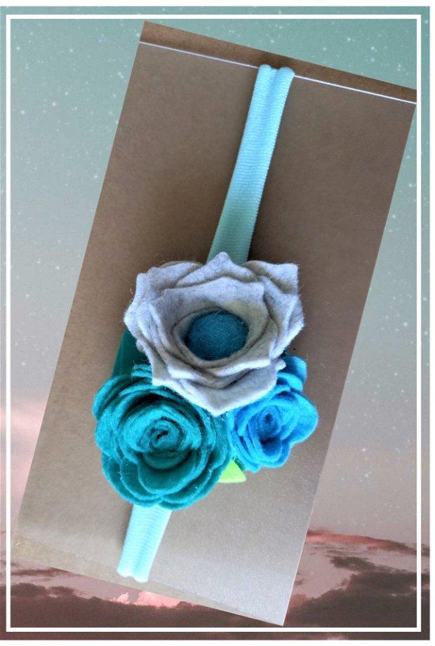Bentita cu flori din fetru colorat