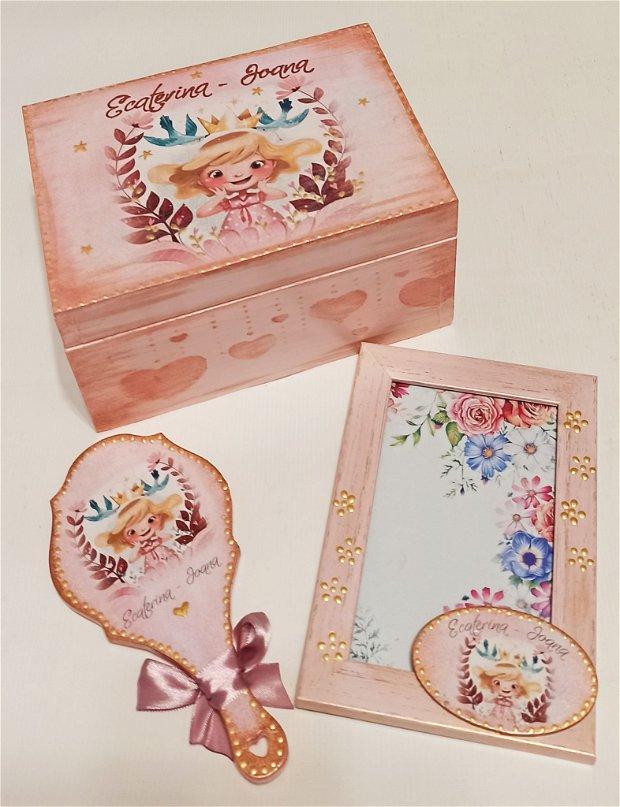 Set personalizat format din cufar, oglinda si rama foto din lemn, personalizata cu tema Printesa