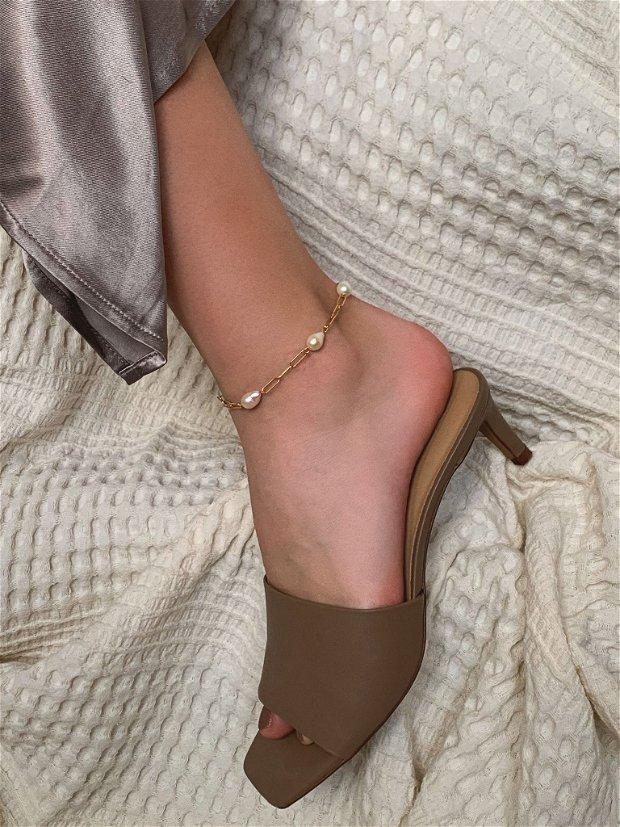 Bratara de picior din argint si perle de cultura