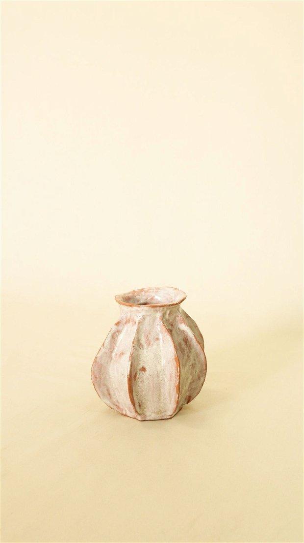 Vaza ceramica realizata manual