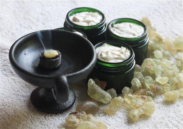 Crema antirid, hidratanta, reparatoare, iluminatoare- cu argan si tamaie