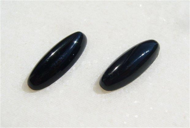 Cabochon onix negru oval alungit calibrat (provenienta America) aprox 22x8x4.5 mm