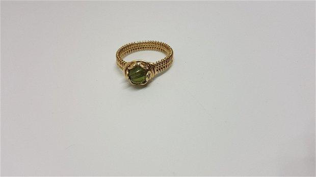 Inel din au filat, inel cu moldavit, inel handmade.