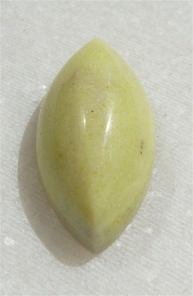 Cabochon jad taietura Marquise (provenienta America) aprox 24x12x7.5 mm