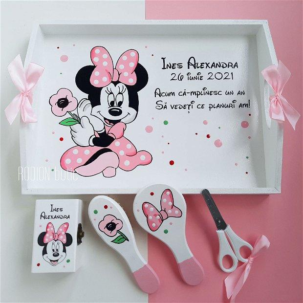 Tava taierea motului Minnie pictata manual personalizata