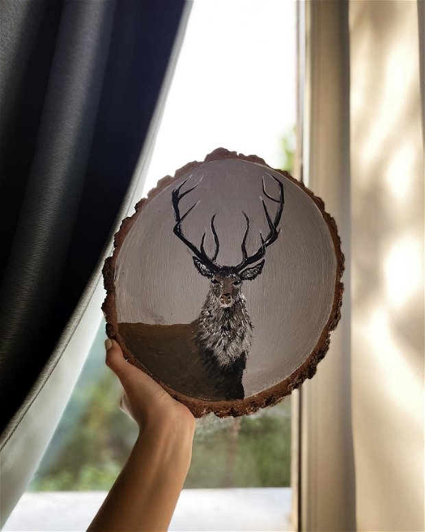 Pictura pe lemn cu cerb
