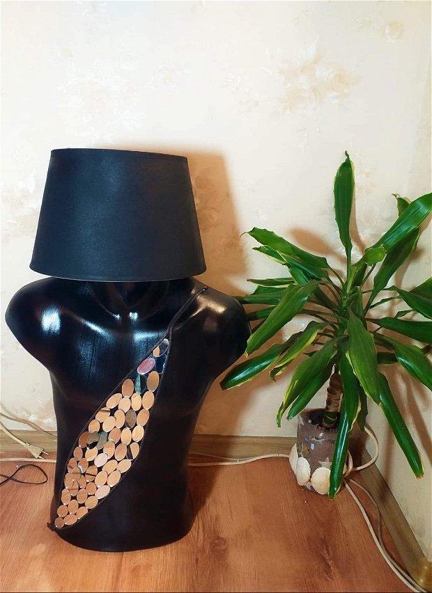 Lampa Manechin Black Mirror