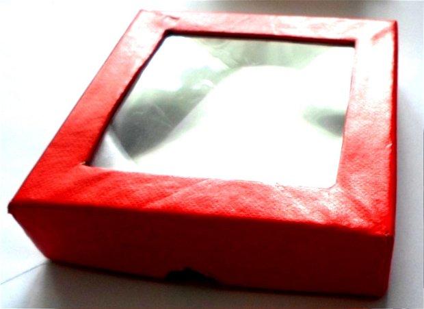 Cutie bijuterii cadou patrat rosie cu fereastra