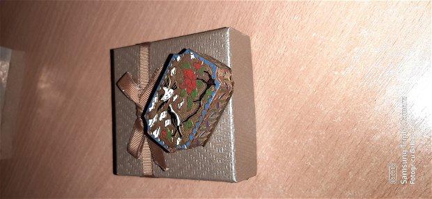 Cutiuta bijuterii din alamă