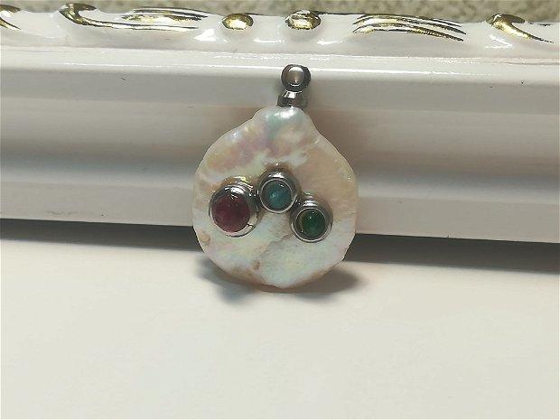 Pandantiv perla cu 3 cristale