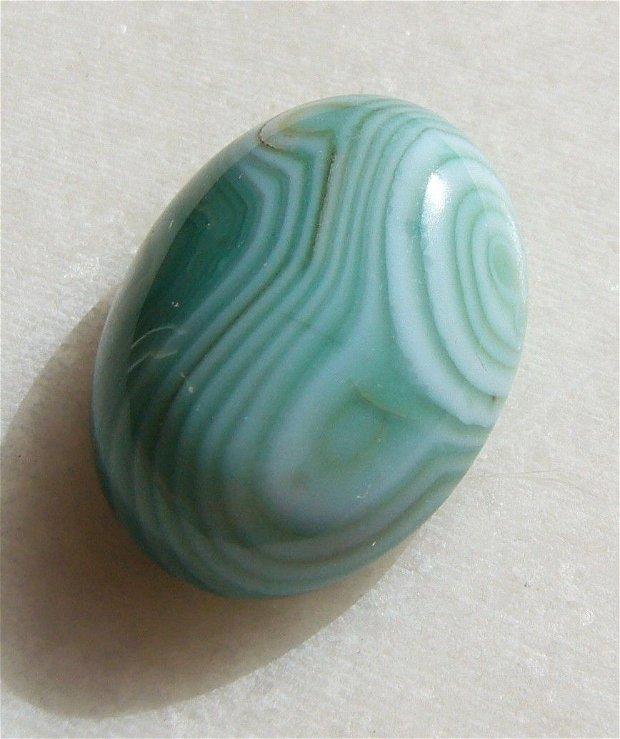 Cabochon agata dungata aprox 24x17.4x9 mm