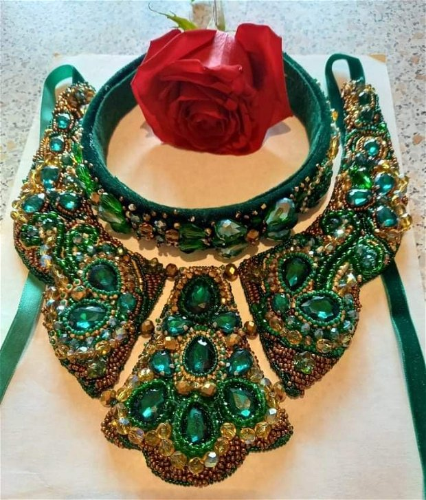 Colier și coronița verde Hurem. Set rezervat