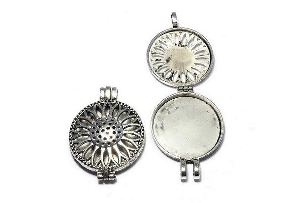 Pandantiv metalic, cu incuietoare, argintiu antichizat, 43.5x33 mm