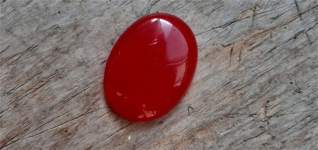Cabochon jad rosu, 40x30 mm