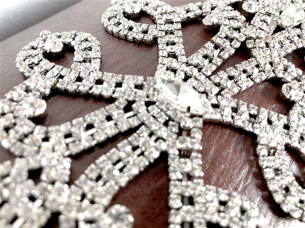 Aplicatie cu pietre deosebita, accesoriu mirese, accesoriu argintiu cu strasuri