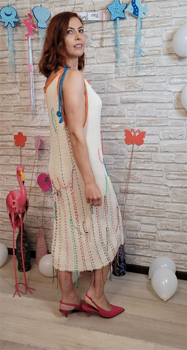 Rochie tricotată pentru plajă, soare, mare