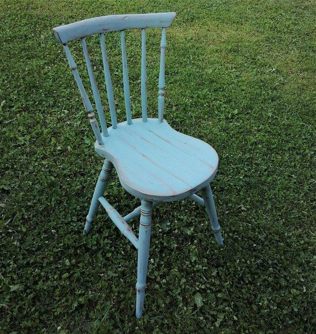 Scaun vintage- scaun lemn- scaun atipic- scaun reconditionat-
