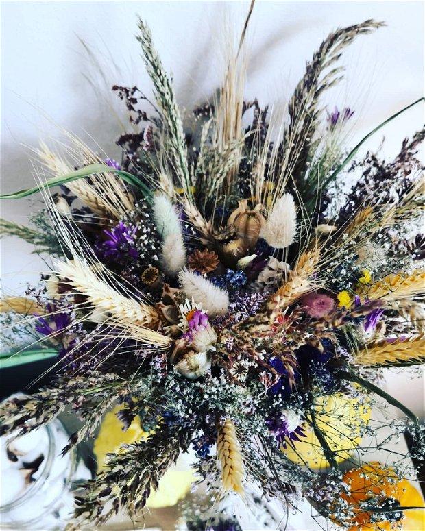 Buchet mireasa din flori uscate și lavandă