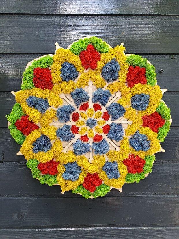 Mandala decorată cu licheni naturali stabilizați Deco Atelier - flori si emotii