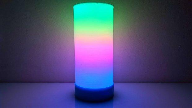 Lampă cilindrică 3D RGB