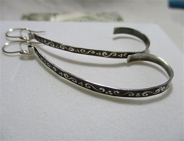 Cercei lungi argint gravati cu spirale