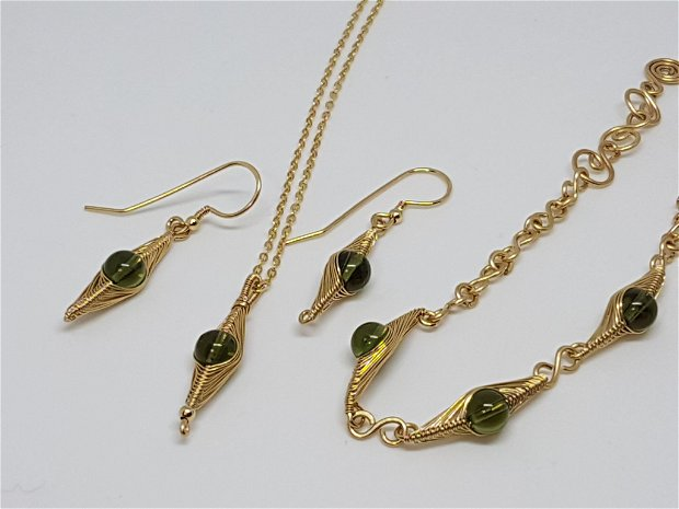 Set din aur filat,set cu moldavit