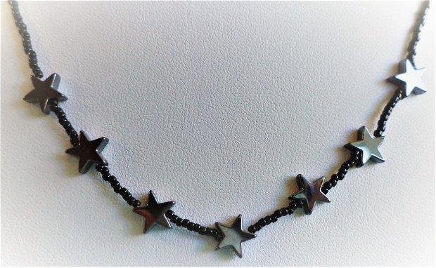 Colier handmade din margele de nisip myuki si stelute din hematit negru