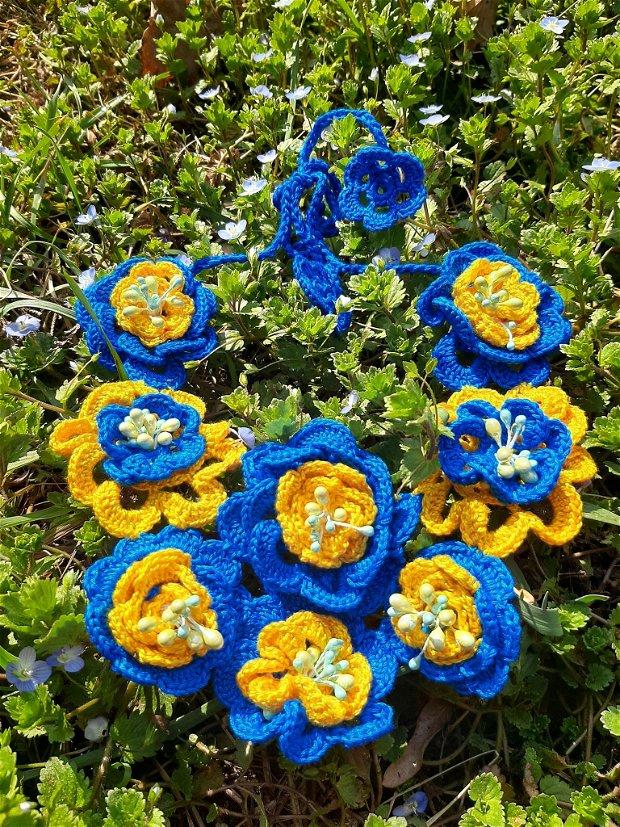 Colier crosetat albastru-galben
