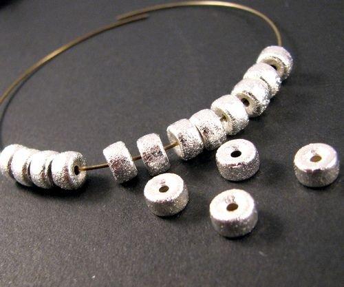 9208 - (60buc) Margele metalice stardust, argintiu, 6x3,5mm