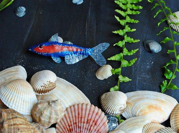 Little fishy around here -brosa textila