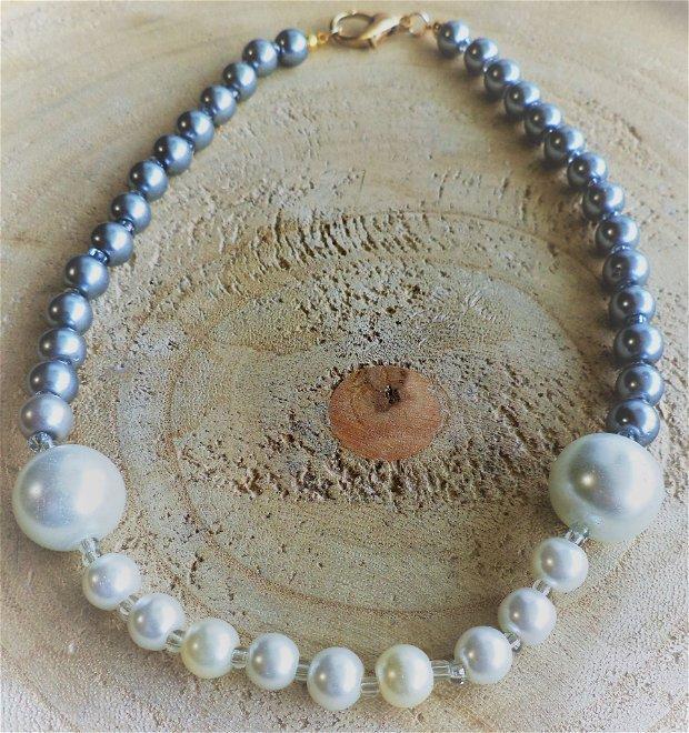 Colier handmade din margele de nisip  si perle de sticla
