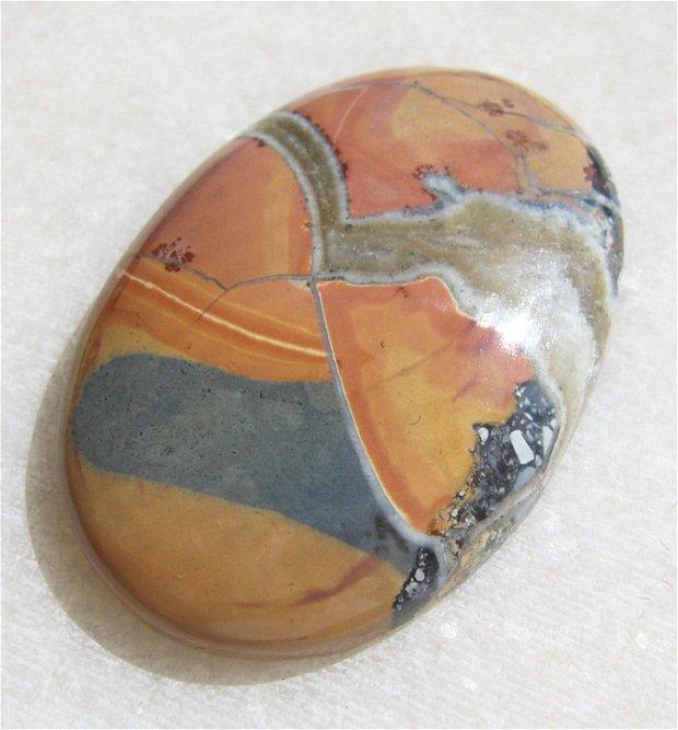 Cabochon maligano jasper (INDIA - lucrat manual) aprox 32.4x22.7x5.4 mm