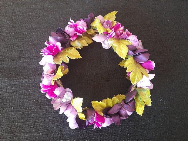 Coronita flori violet