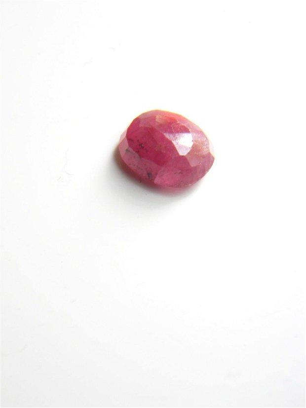 Gema rubin (CR2-4)