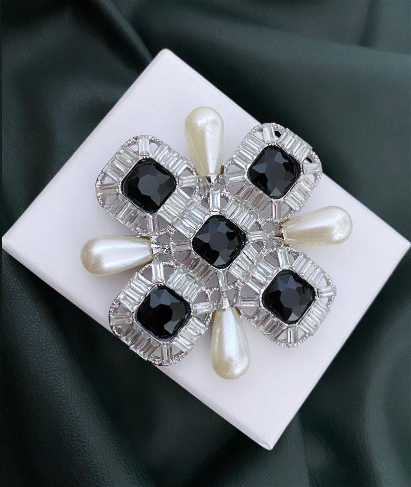Broșă-Pandantiv cu finisaje argintii