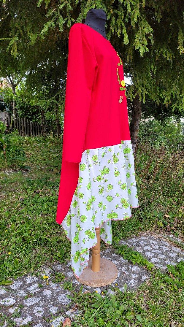 Rochie cu flori, frunze și un volan în colțuri