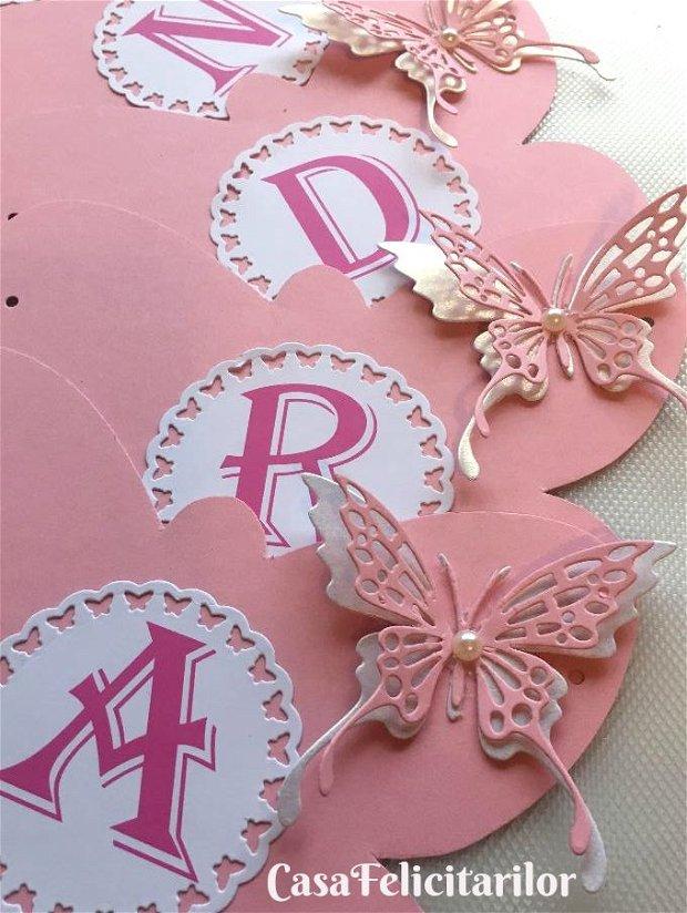 Carduri asezare mese decorate cu fluturas