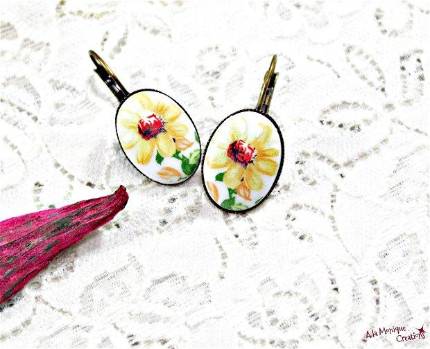 Cercei vintage cu floare galbena