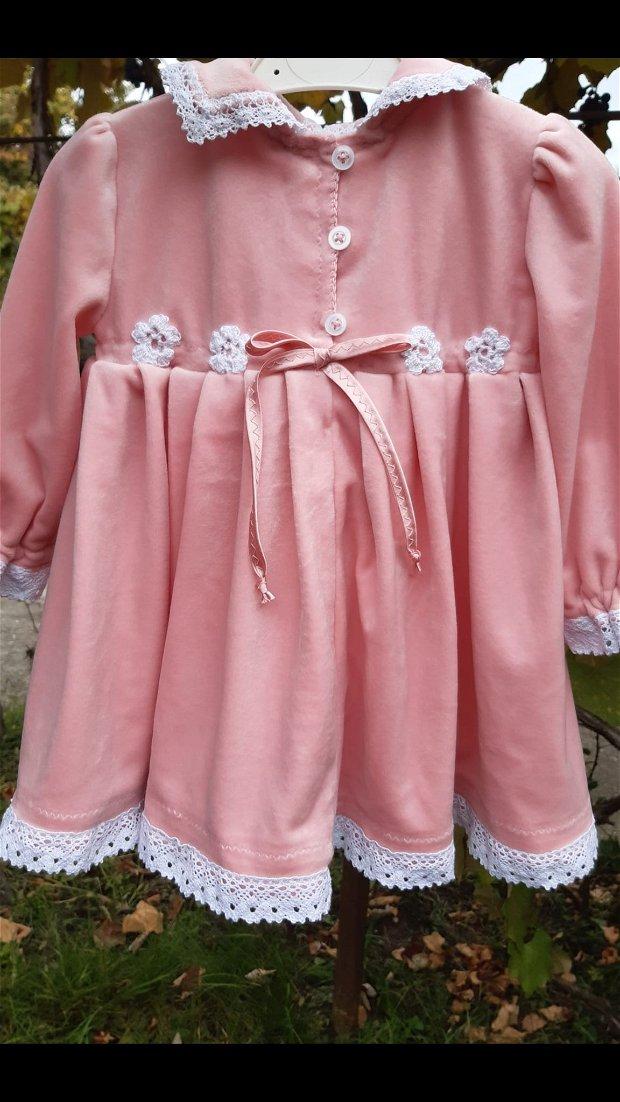 Rochita de sezon din catifea roz
